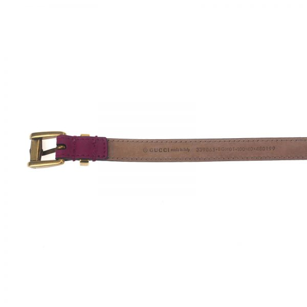 Authentic, New, and Unused Gucci Leather Bamboo Skinny Buckle Belt Fuchsia 100B 339065 bottom view with serial number