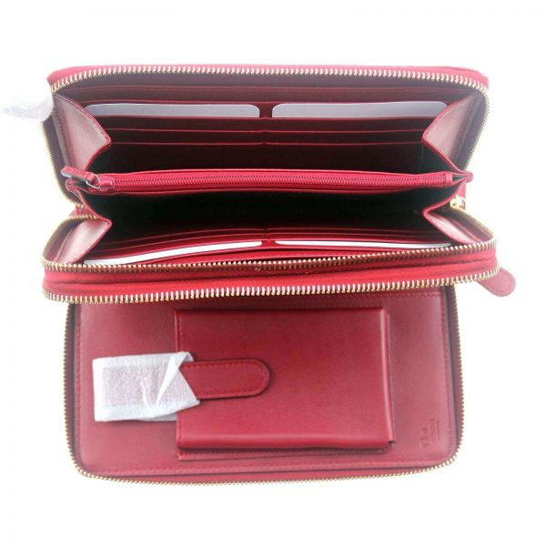 Authentic, New, and Unused Gucci Red Leather Microguccissima Double Zip Travel Wallet 544250 interior view